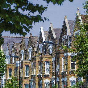 Weak Pound sees Rush on British Expat Mortgages for UK Purchases